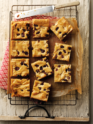 Gooey blondies with cranberries